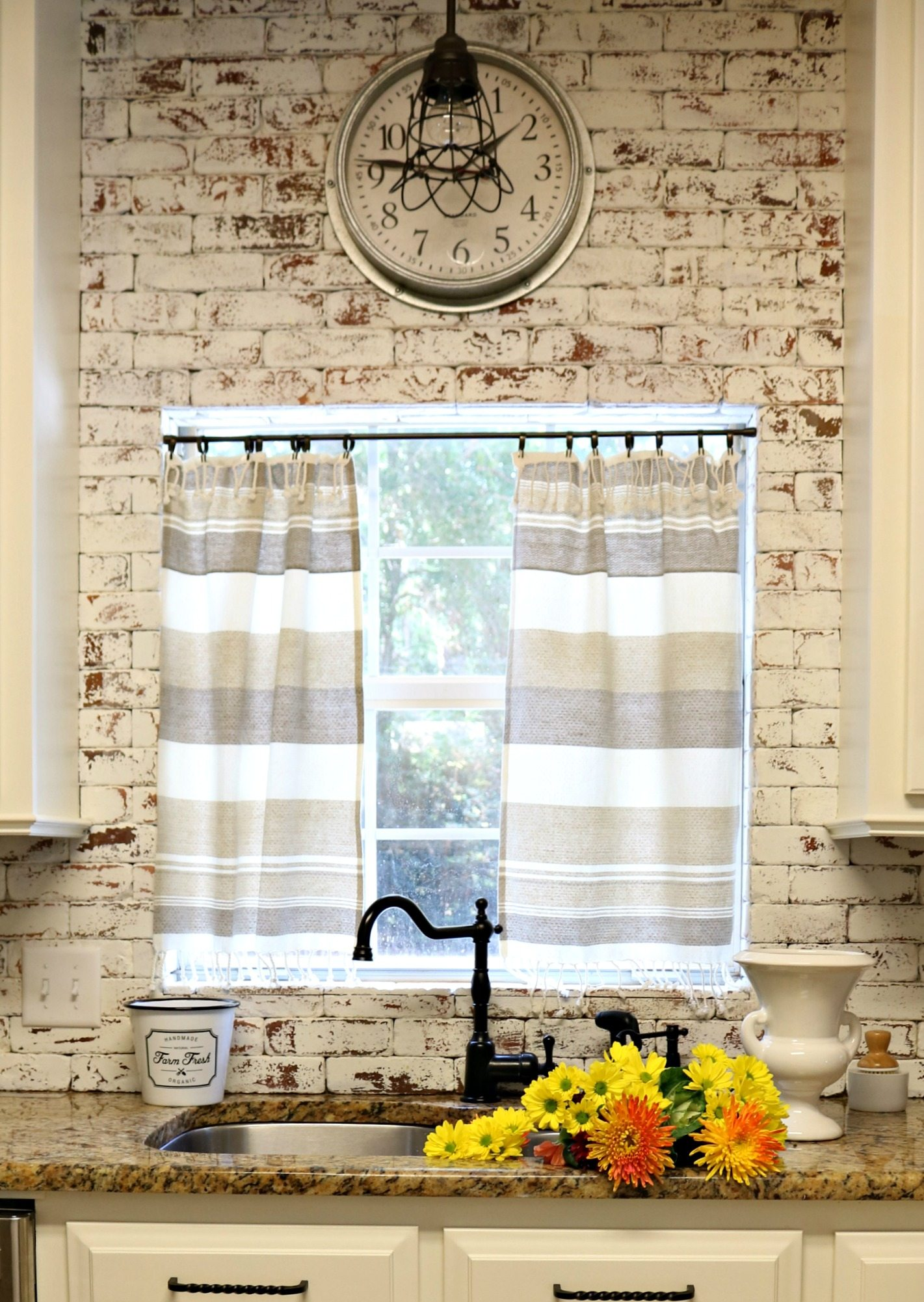 painted brick backsplash inspiration